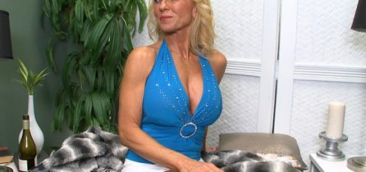 Everything you wanted to know about Cara Reid Now it's time to get to know Cara Reid, a 60-year-old wife, mother and grandmother from Texas who came to us through Sally D'Angelo, one of the most-popular GILFs at our site. Cara is a toned, fit, big-titt...