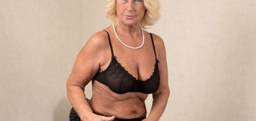 """Regi Wants A Creampie, Regi Gets A Creampie Regi is a 62-year-old divorcee from the Czech Republic. She's happy to be here, fucking a guy who's exactly half her age.  """"It is exciting to be wanted by so many younger men when you're in your 60s,"""" Regi, w..."""